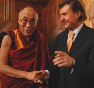 Der Dalai Lama mit Andreas Salcher